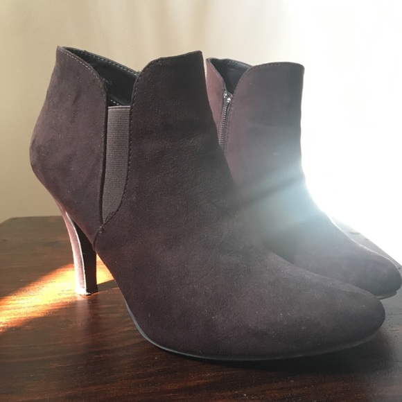 Madeline Shoes - Brown suede ankle boots